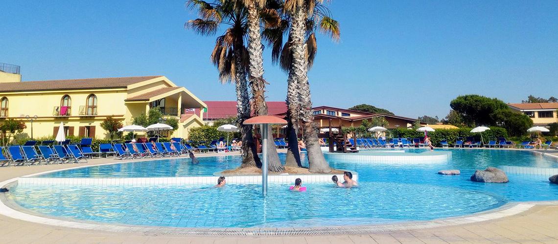 La piscina principale dell'Horse Country