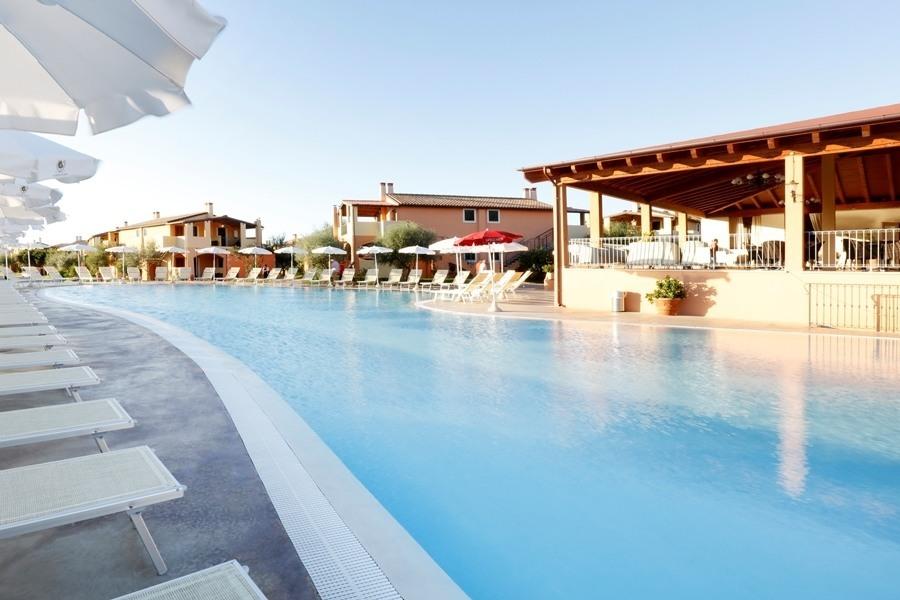 https://www.leconvenzioni.com/public/upload/convenzioni/aziende/setiatour/marina_rei_beach_resort/la_piscina.jpg